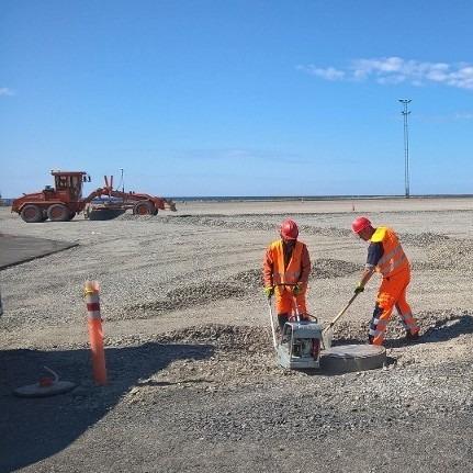 Satamakentän rakentamista Raahen satamassa